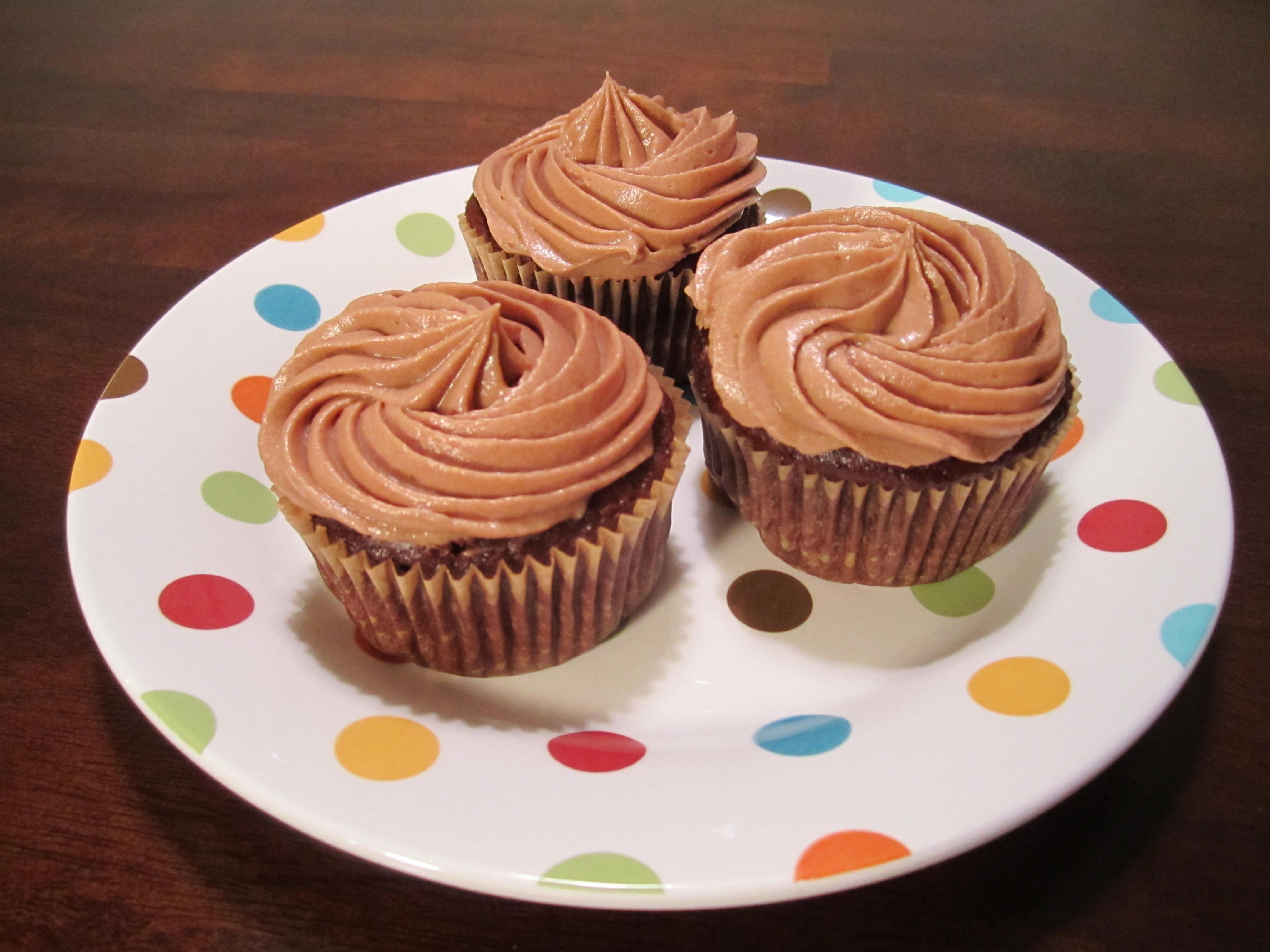 Triple Chocolate Cupcakes with Chocolate Cream Cheese ... Chocolate Cupcake With Cream Cheese Frosting