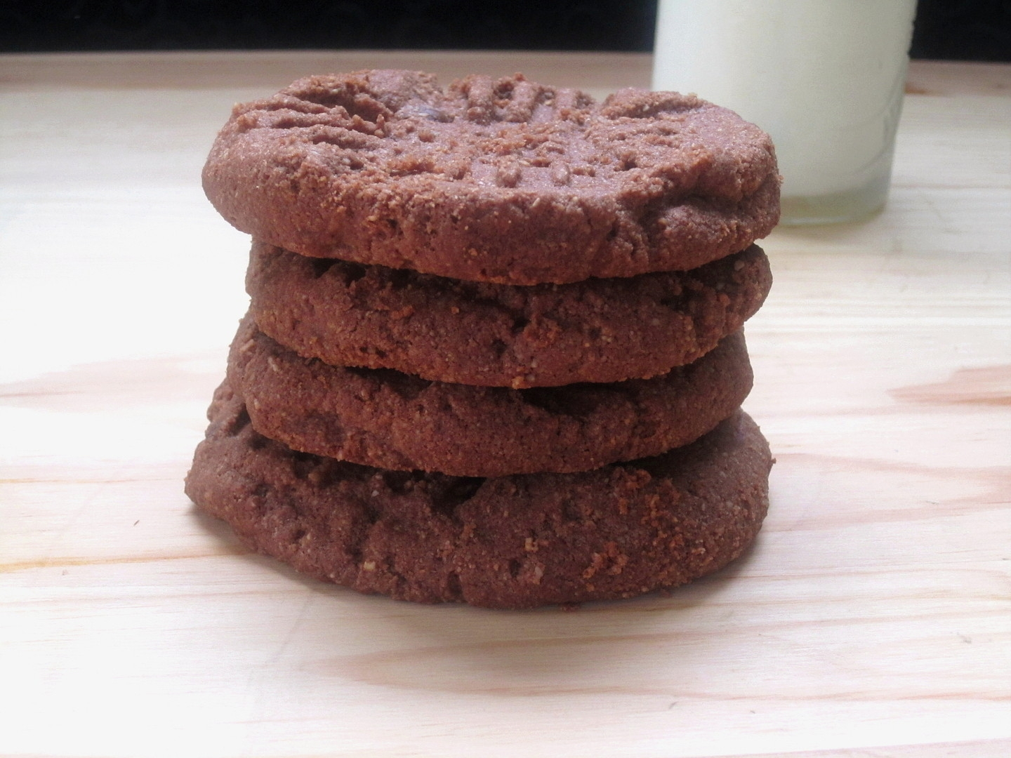 Low-Carb Chocolate Shortbread Cookies - Eat. Drink. Love.