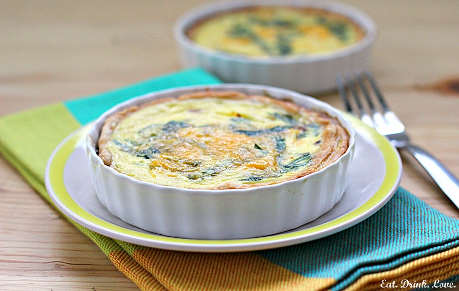 Low-Fat Spinach Cheddar Quiche with Oat Crust