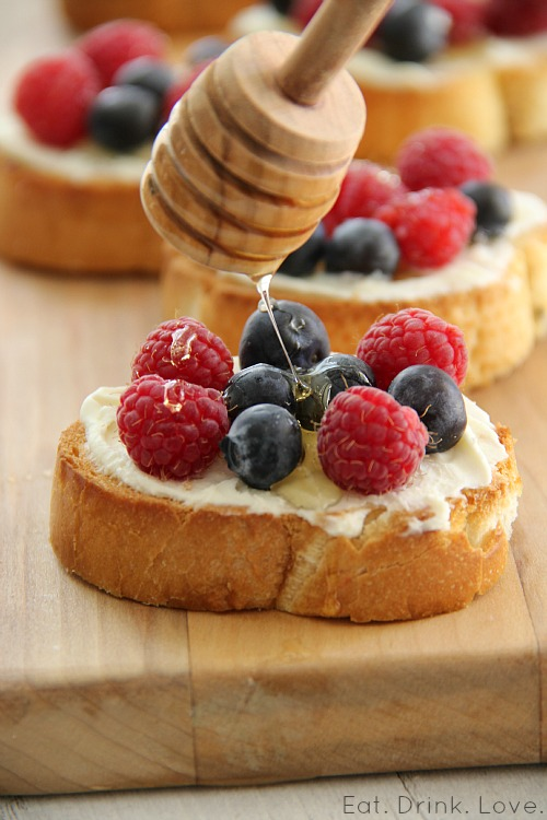 Berry and Mascarpone Crostini