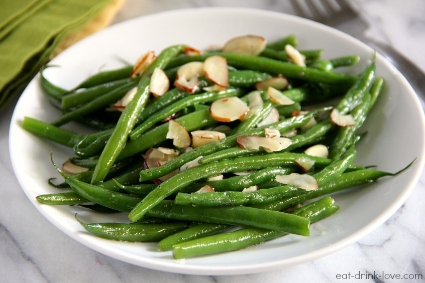 Easy Sautéed Green Beans - Eat. Drink. Love.