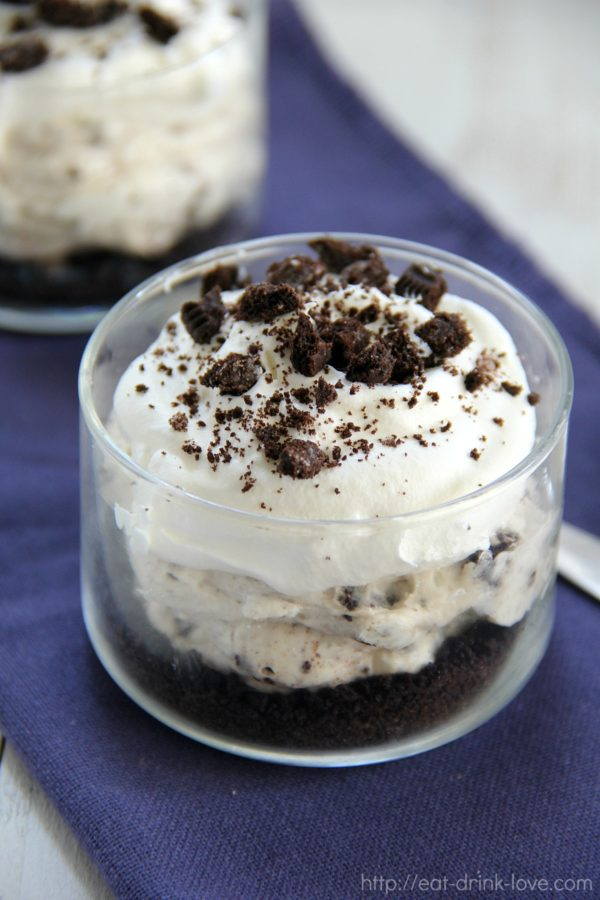 No-Bake Cookies and Cream Cheesecakes