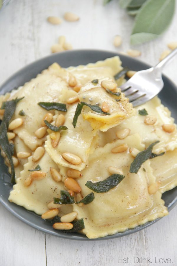 Browned butter butternut squash ravioli eat drink love for What to serve with butternut squash ravioli