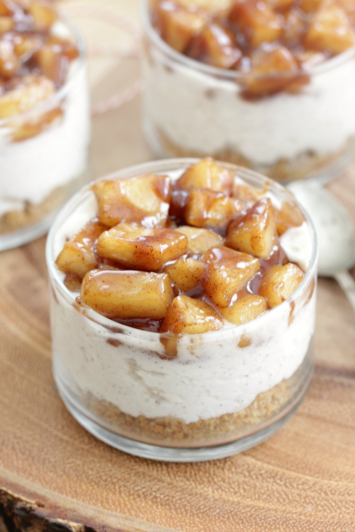 No-Bake Apple Cinnamon Cheesecakes